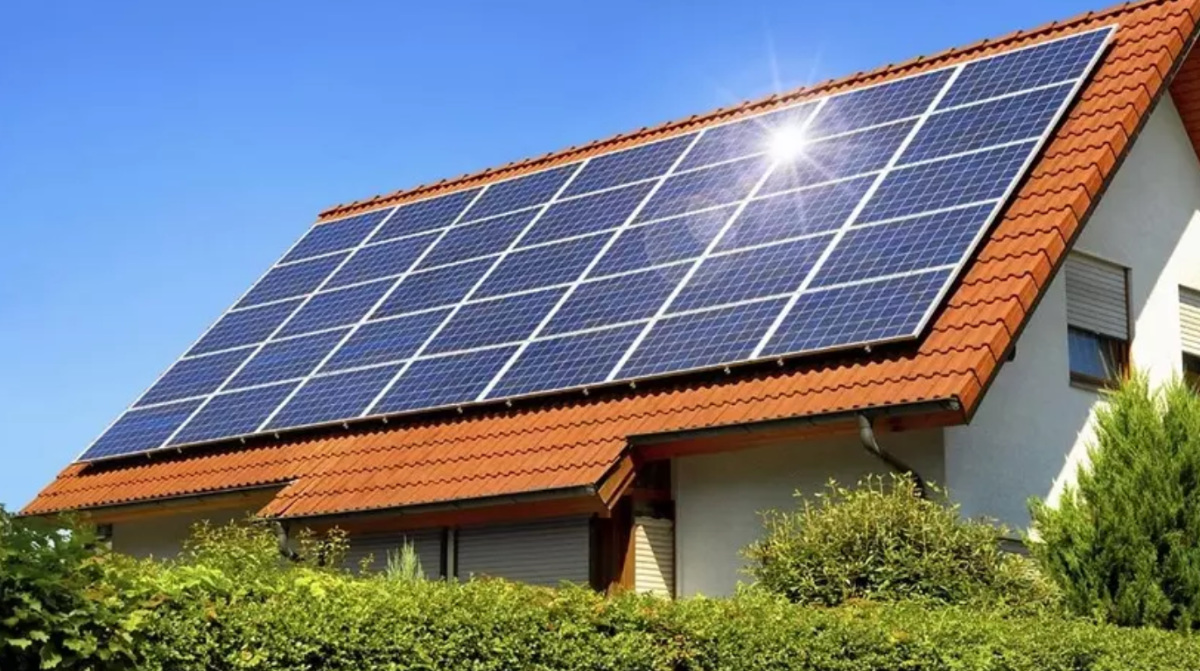 Plan revealed to install solar panels on Dubai homes of Emiratis